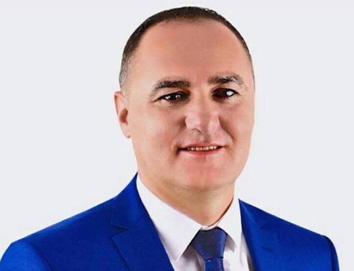 Нефи Усеини заминал на операција на синуси во Турција