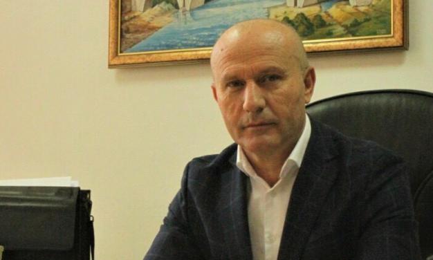 Фатен на дело: Заменик министерот за здравство вмешан во корупциски скандал