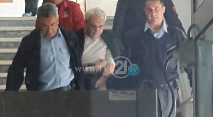 Боки 13 примил инфузија и повторно е вратен во Шутка