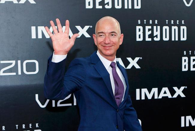 Смена на престолот: Џеф Безос не е веќе најбогат човек на светот
