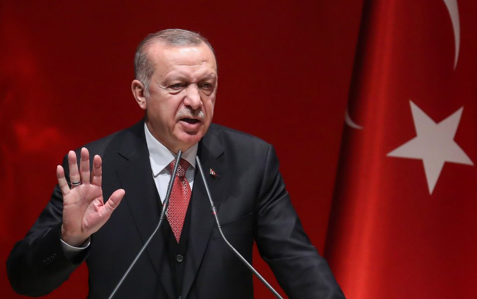 Ердоган се закани: Ќе ги испратам терористите назад во Европа