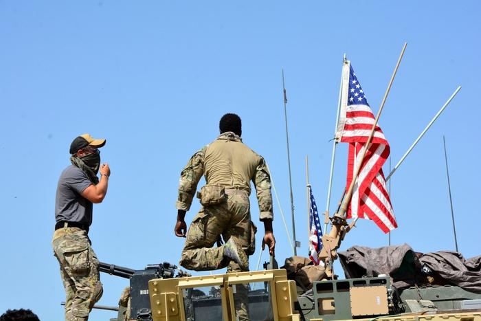 Американските војници на северот од Сирија добија наредба да се повлечат од земјата