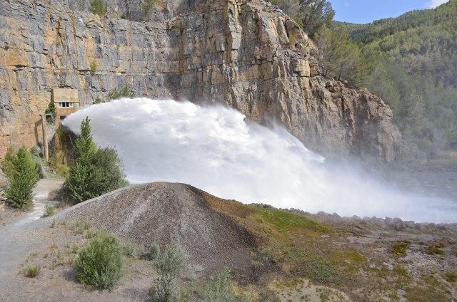 Владата на Црна Гора ја стопира изградбата на неколку мали хидроцентрали