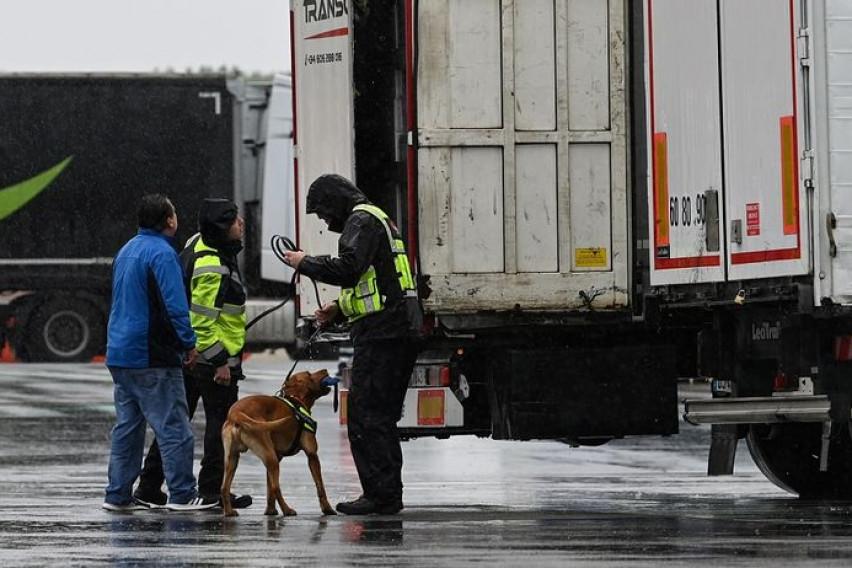"""Жртвите од """"камионот на смртта"""" се Виетнамци, објави полицијата"""