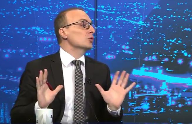 Заев и Димитров треба да си поднесат оставки ако нема датум, вели Милошоски