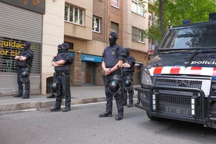 Во Шпанија уапсени џихадисти кои подготвувале терористички напад