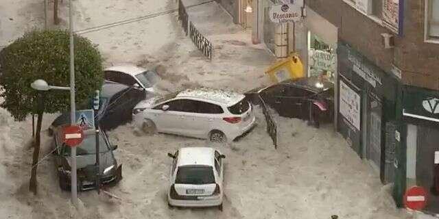 (ВИДЕО) Незапаметени поплави во Шпанија: Еден загинат, четири исчезнати меѓу нив мајка и син