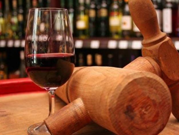 Намалено светското производство на вино за 10 отсто поради лошите временски услови