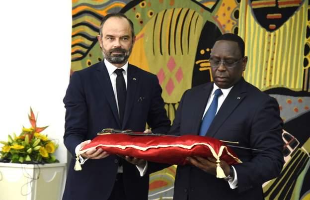 Франција ја врати сабјата на сенегалскиот национален херој