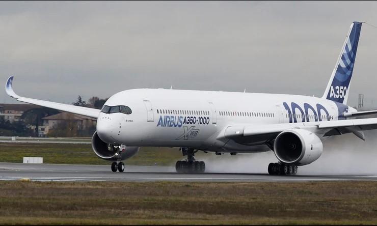 """""""Емирати"""" нарачаа 50 Ербас авиони со вредност од 16 милијарди долари"""