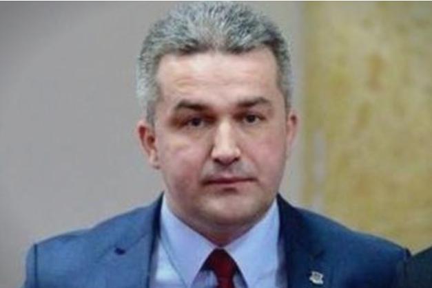 Скандал: Политичар од Босна се најде на страна за возрасни