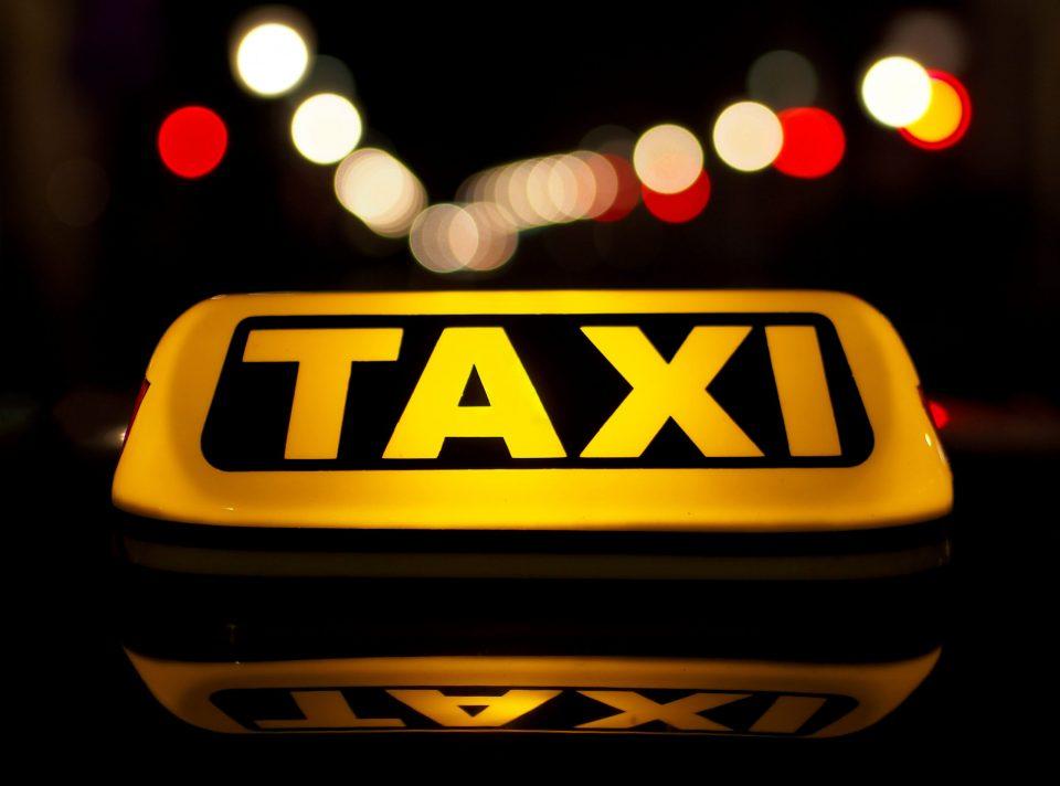 """Турски бизнисмен носи такси возила """"Тесла"""" во Подгорица"""