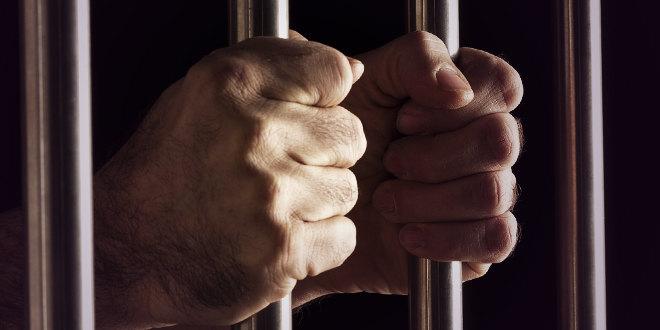Од утре во Србија стапува во сила доживотен затвор за убијци на деца
