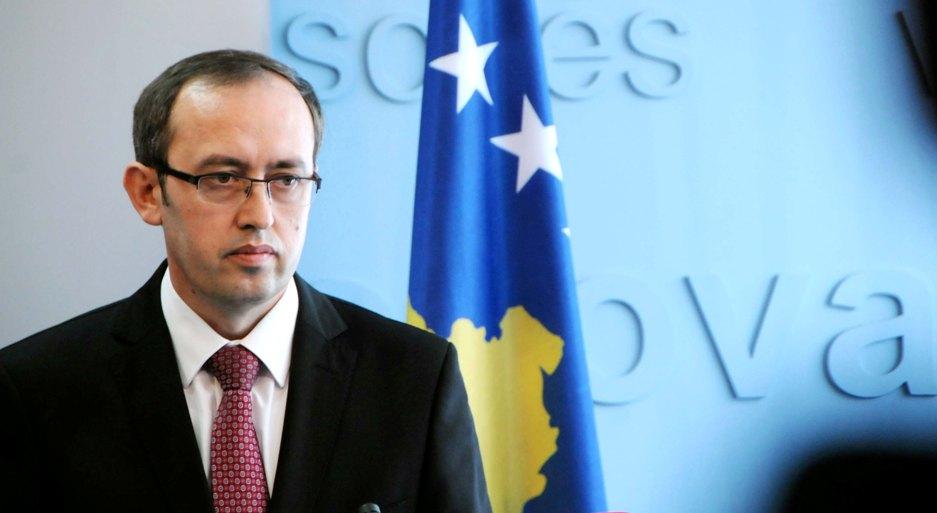 Хоти предупредува дека со мини-Шенгенот Србија сака да го држи Балканот надвор од ЕУ
