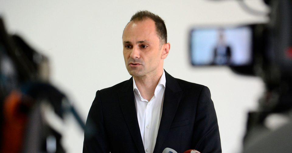 Филипче: Се чекаат резултати за уште едно лице коешто допатувало од Рим