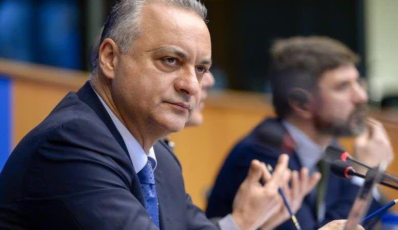 Кефалојанис: Одлагањето на стартот на преговорите не треба да ги разочара Скопје и Тирана