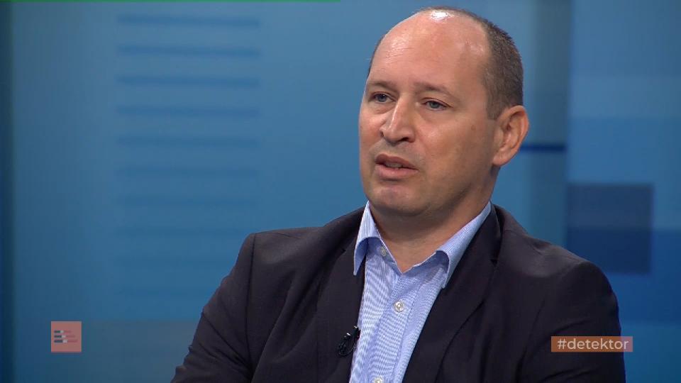 Кирил Миновски: Владата само дава ветувања кои потоа не ги исполнува