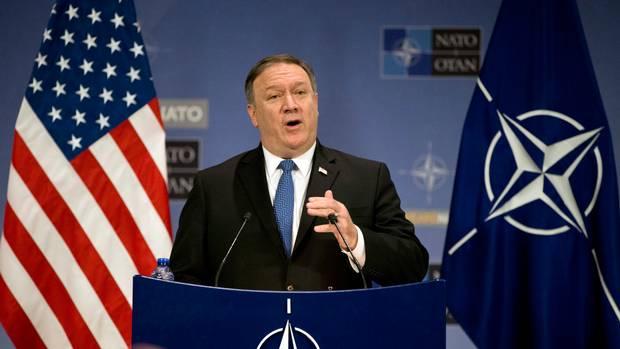 Помпео порача дека НАТО мора да се менува или ќе биде надминато