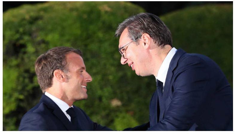 """Блиц"""": Макрон на средбата со Вучиќ го подржал """"Малиот Шенген"""""""
