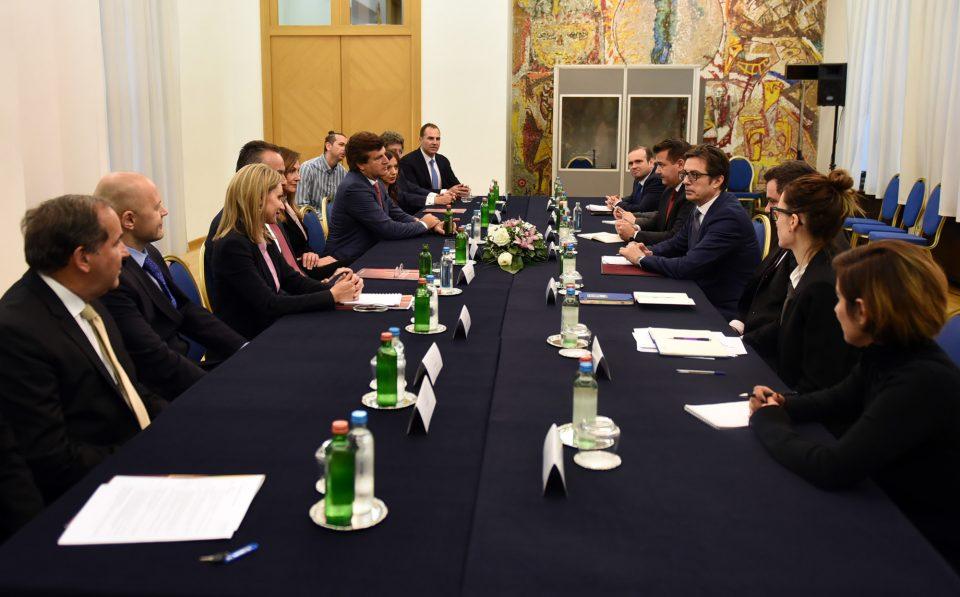 """Пендаровски со делегација на """"Македонија 2025"""": Да се интензивира соработката меѓу бизнис заедниците во земјата и во дијаспората"""