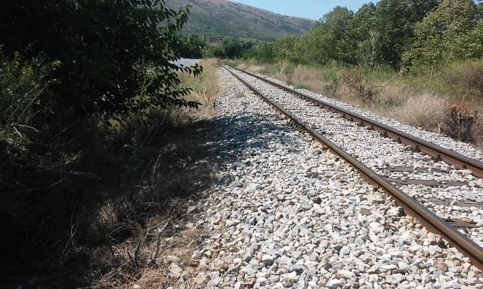 После железничката станица Велес, забележан човечки труп