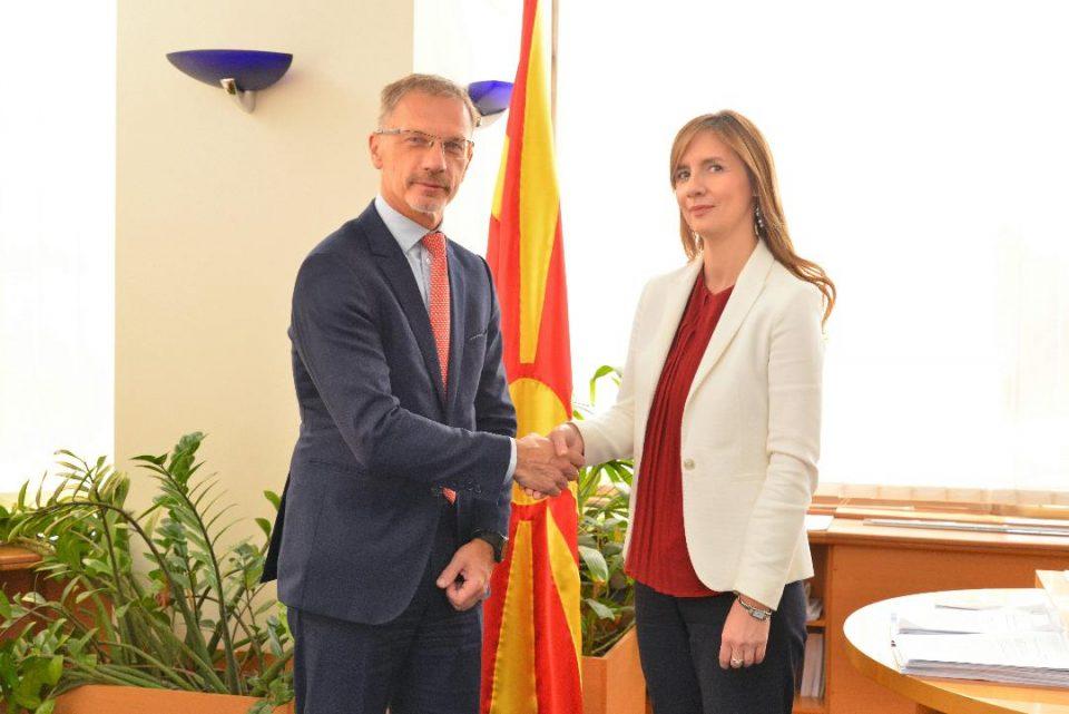 Ангеловска-Бежоска – Вујчиќ: Заеднички приоритет ни е зајакнување на финансиската стабилност на нашиот регион