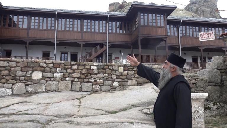 При крај е обновата на конаците на манастирот Трескавец