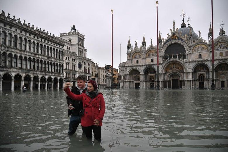 Ситуацијата во Венеција полека се нормализира