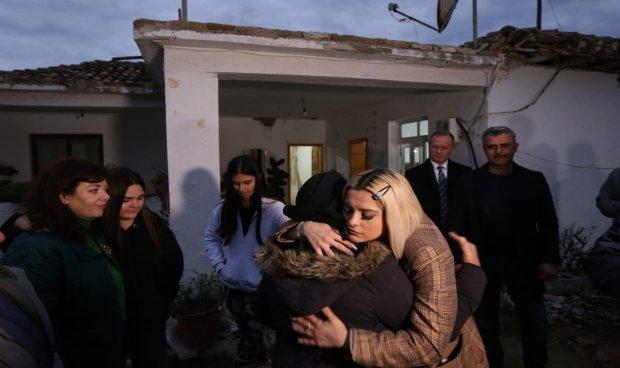 Бебе Реџа: Знам дека сме силни, деца сме на Мајка Тереза