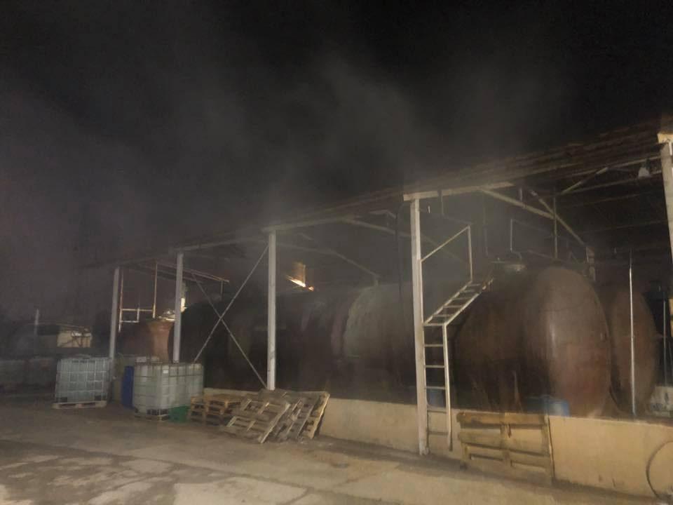 Истекла солна киселина од цистерна во околината на Гази Баба, екипите се на терен