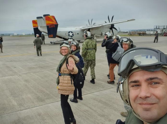 (ФОТО) Гаф на министерката Шекеринска: Нашето знаме сепак не било нашето знаме?