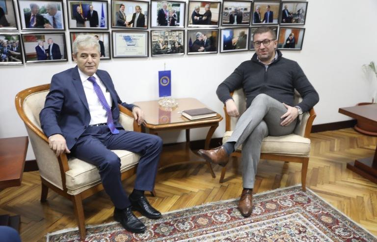 Одржана средба Мицкоски- Ахмети: Се дискутирало за составување на Влада