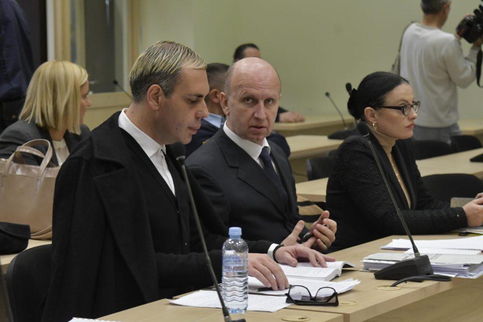 """Короната во Шутка го одложи судењето за """"Рекет"""" за 14 дена"""