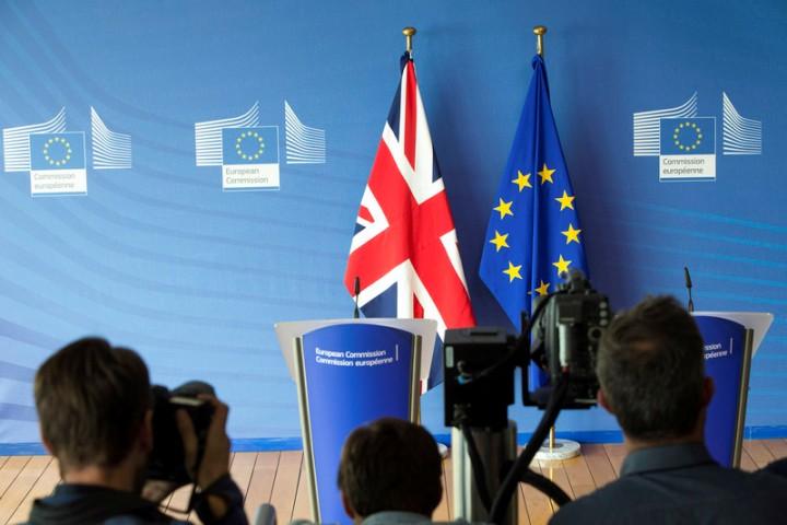 И во време на корона Лондон и Брисел почнаа нова рунда од преговорите за односите по Брегзит
