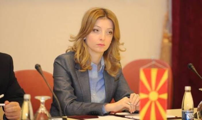 Арсовска: Олигархијата си стави олигарх да одлучува за мерки за финансиска помош