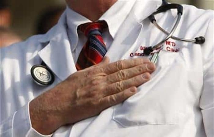 Поради недостиг на лекари француски градоначалник забрани умирање за време на викенд