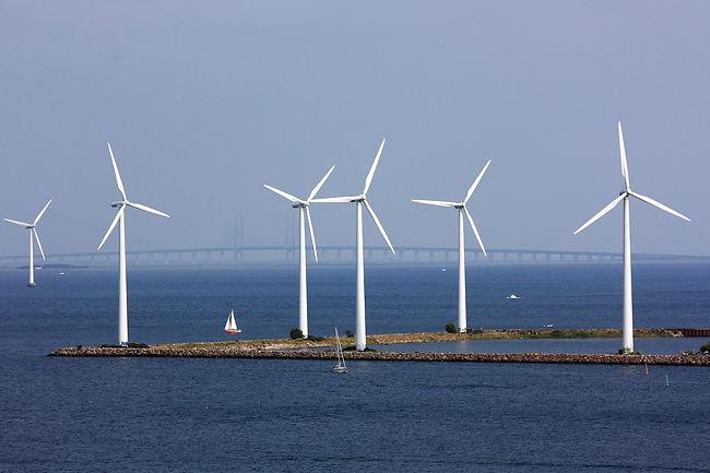Данска планира да гради вештачки острови со ветерници за производство на струја