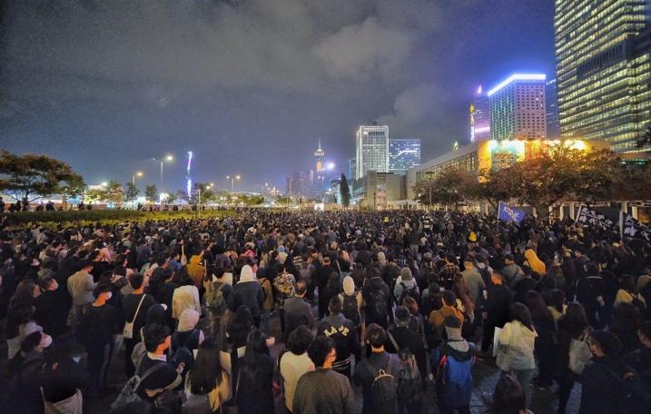 Илјадници луѓе на нови протести во Хонгконг