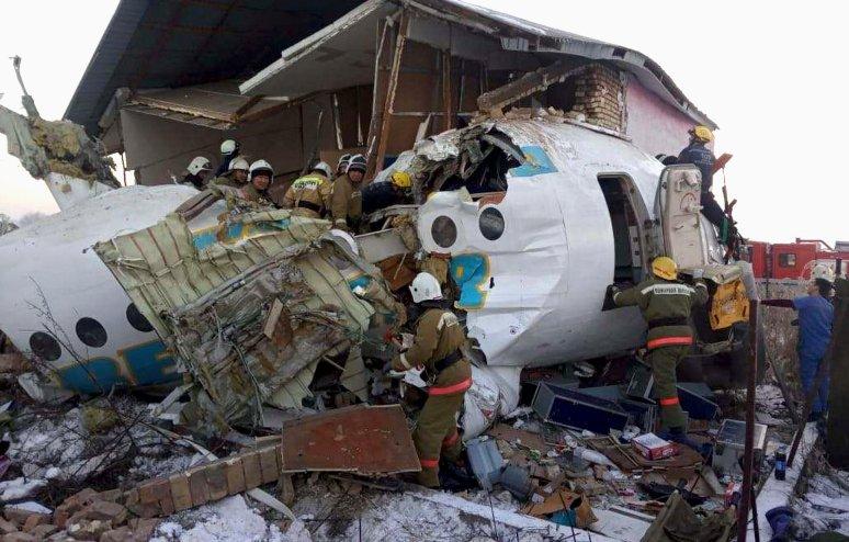 Претседателот на Казахстан најави дека одговорните за падот на авионот ќе се соочат со тешка казна