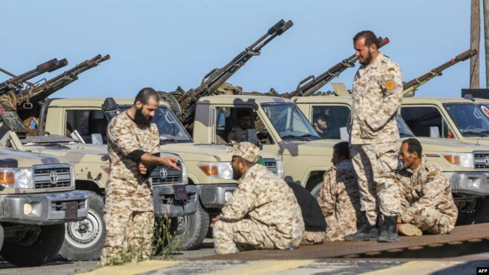 Советот за безбедност ги повика сите земји земји да го почитуваат ембаргото на испорака на оружје во Либија