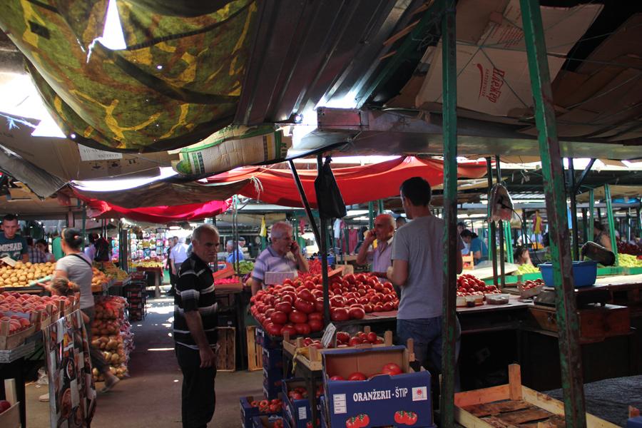 Пониски цени за закуп на тезга или протест, се заканија пазарџиите
