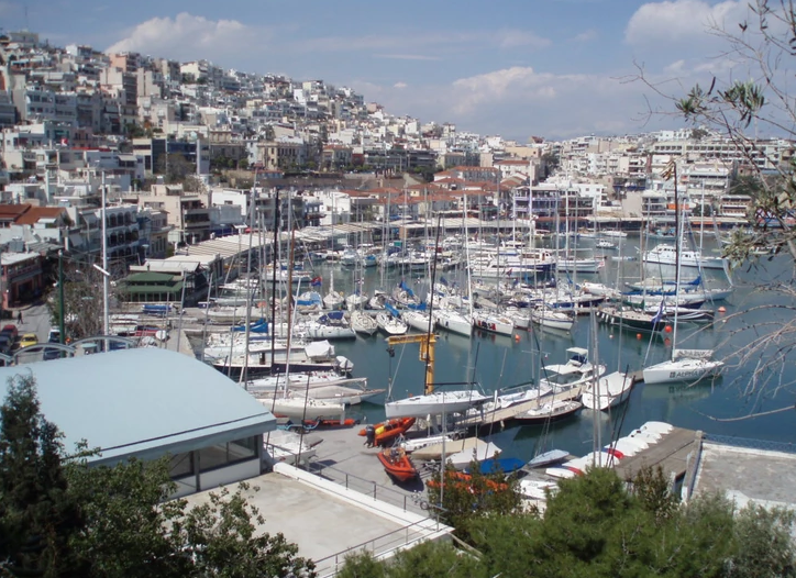 Забрана за пловидба од повеќе грчки пристаништа