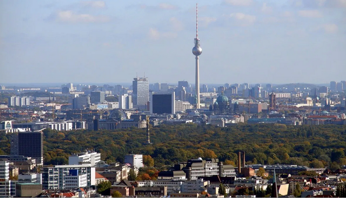 Германија протера двајца вработени во руската амбасада во Берлин