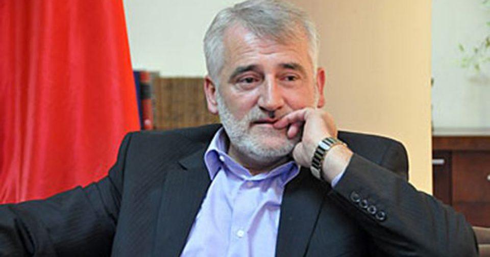 Мендух Тачи за ИНА: Албанците да гласаат за ДПА или за СДСМ