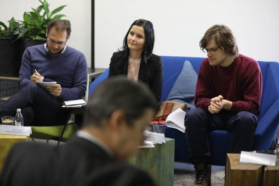 Западниот Балкан старее, младите мигрираат поради економски причини, но и поради корупцијата