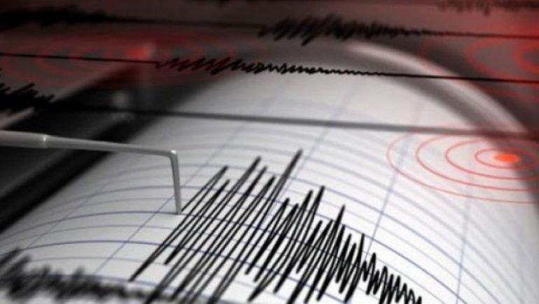 Силен земјотрес ја погоди Индонезија!