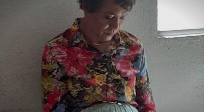 Се маскирал во жена за да го положи возачкиот испит на неговата мајка