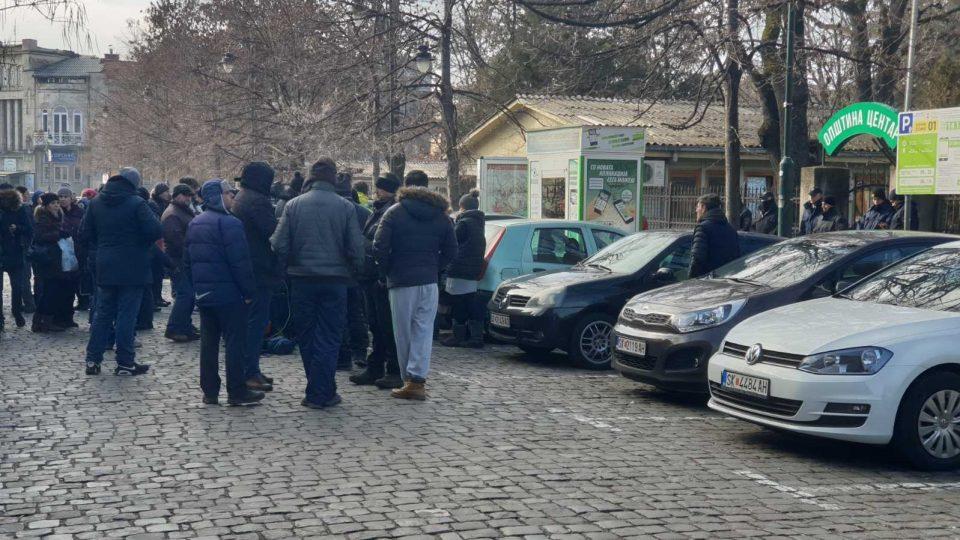 Пазарџиите од зелениот пазар не попуштаат, од Богдановиќ бараат укинување на тарифата