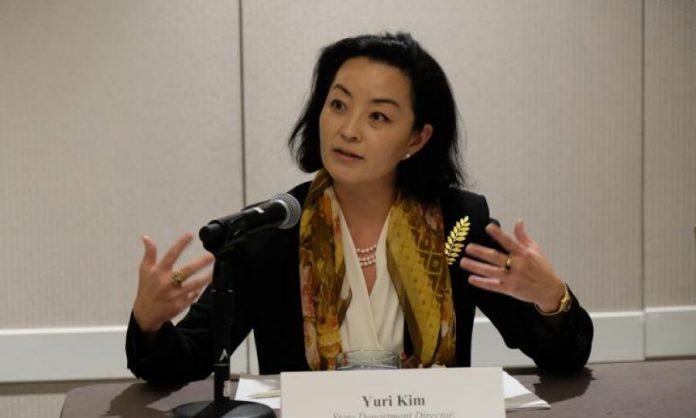Американската амбасадорка Јури Ким пристигна во Тирана