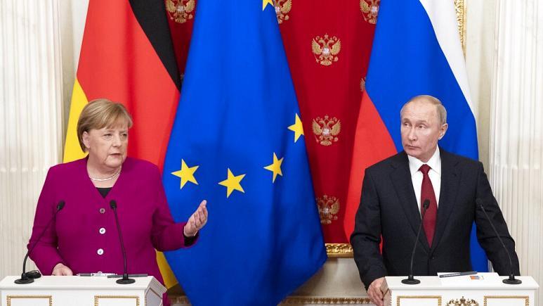 Меркел разговарала со Путин за заедничко производство на вакцини